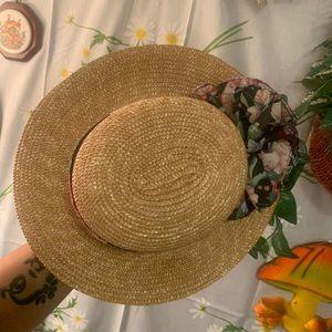 Vintage Accessories - Vintage straw sailing sun hat black ruffle band